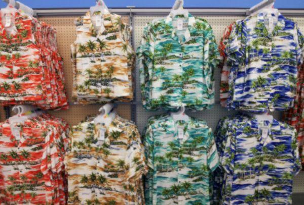 vender camisas hawaianas para ganar dinero en verano