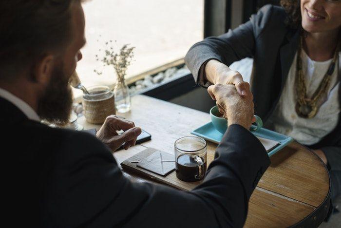 pregunta entrevista de trabajo: por qué deberíamos contratarte a ti y no a otra persona