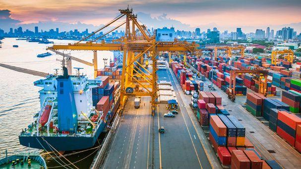 ganard inero mientras viajas importando y exportando productos
