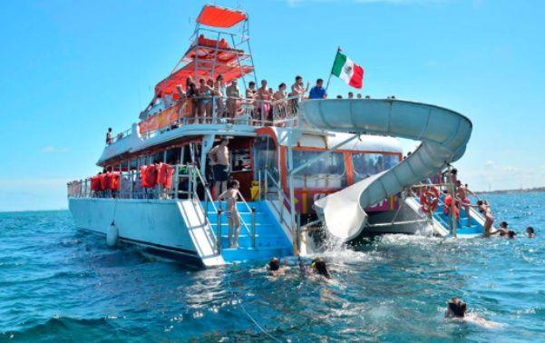 pequeños negocios de tour en barco